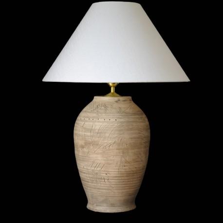 Lampa se stínidlem, zlaté doplňky